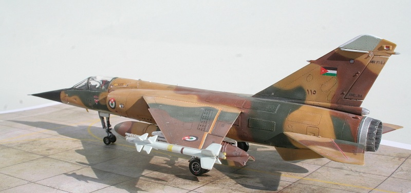 "Mirage F1EJ jordanien (Airfix + décal FFSMC ""désert Mirage F1"", 1/72) Img_6516"