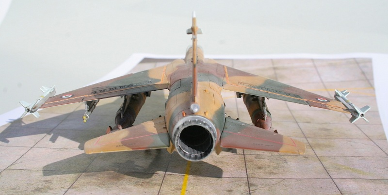 "Mirage F1EJ jordanien (Airfix + décal FFSMC ""désert Mirage F1"", 1/72) Img_6517"