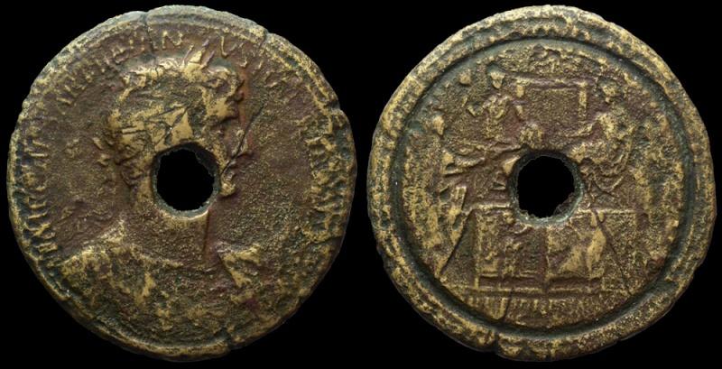 Margarita vincas, (tentative de) lecture d'un contorniate Trajan11