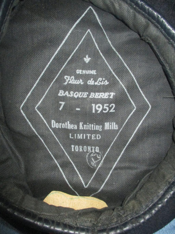 Les uniformes de ville et/ou de permission 2210