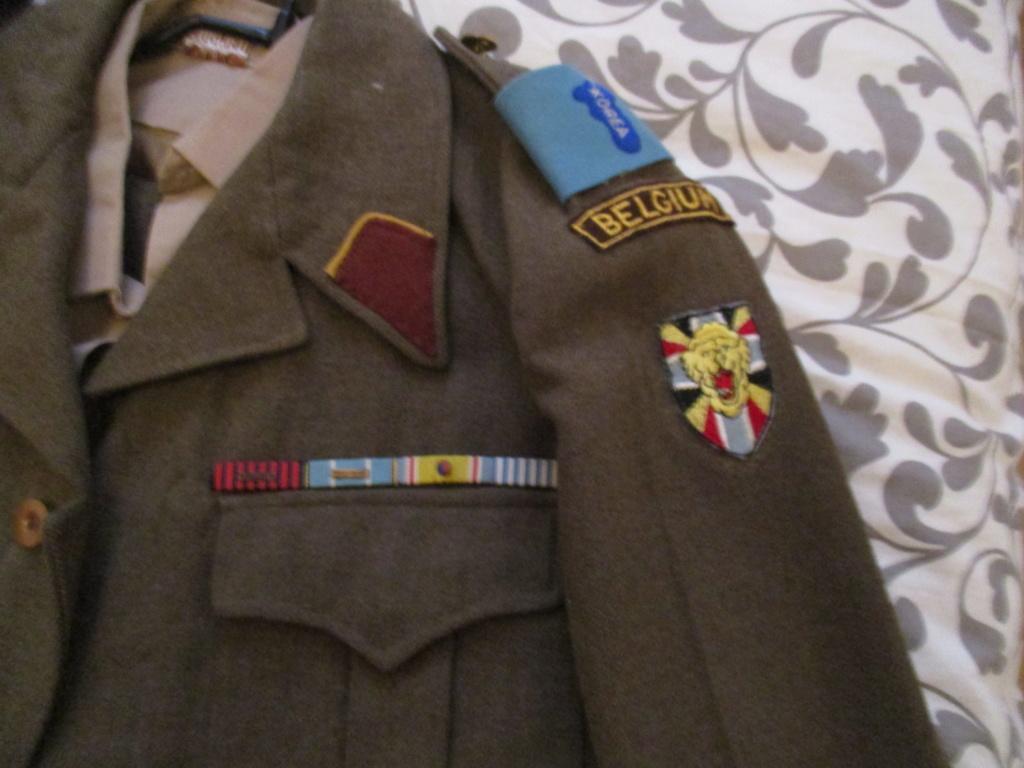 Les uniformes de ville et/ou de permission Img_0210