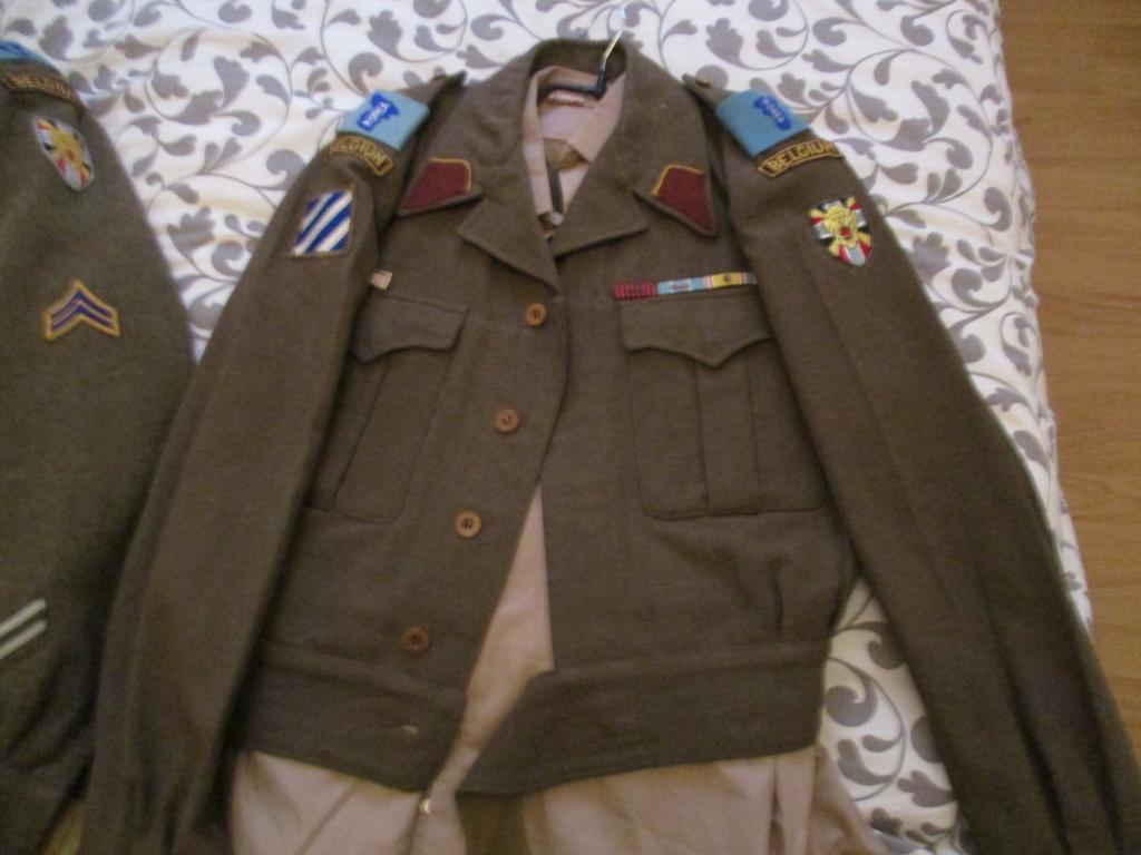 Les uniformes de ville et/ou de permission Img_0212