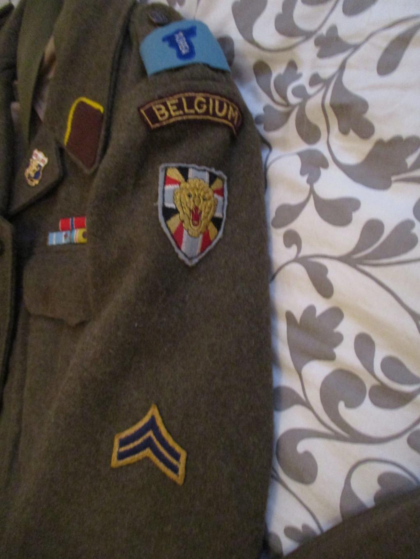 Les uniformes de ville et/ou de permission Img_0217
