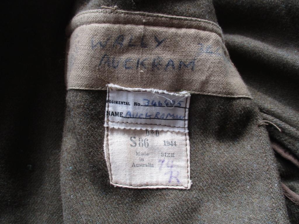 Les uniformes de ville et/ou de permission Img_0311