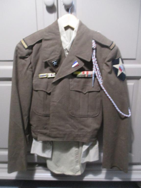 Les uniformes de ville et/ou de permission Img_1310