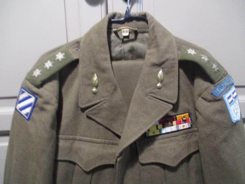 Les uniformes de ville et/ou de permission Img_1327