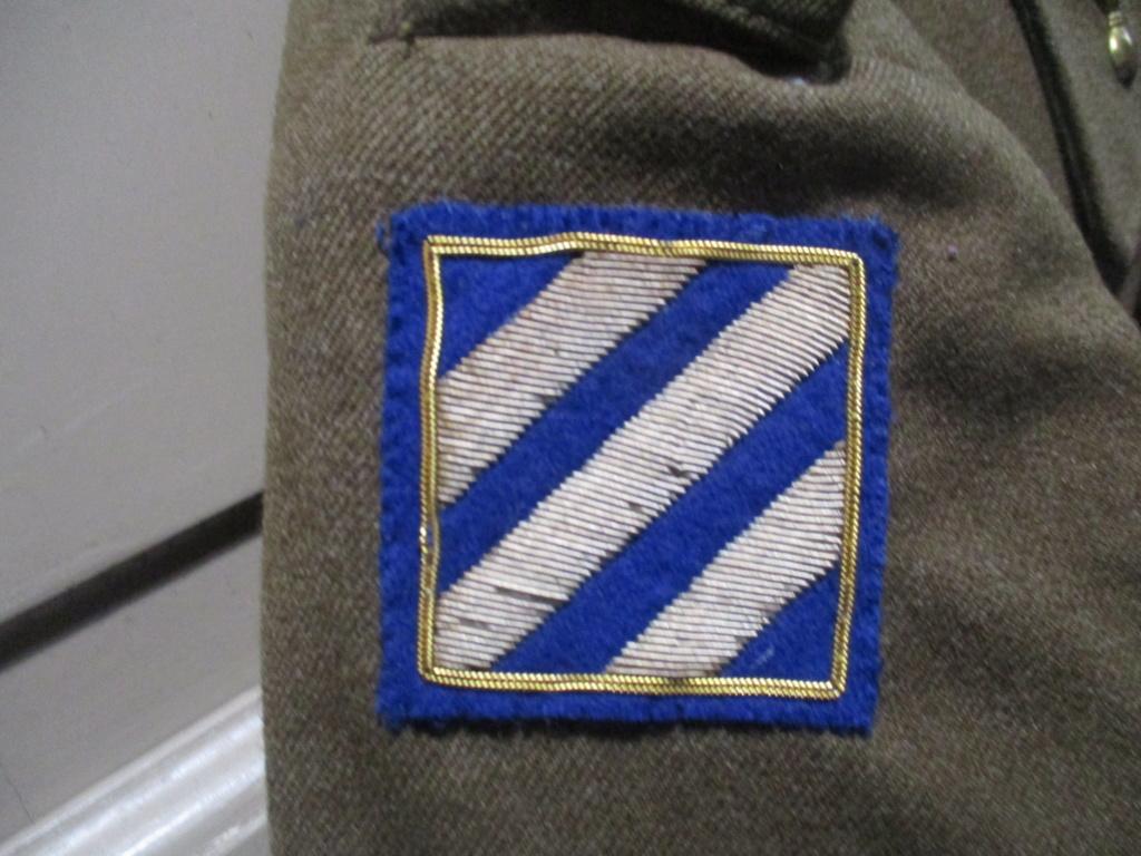 Les uniformes de ville et/ou de permission Img_1330
