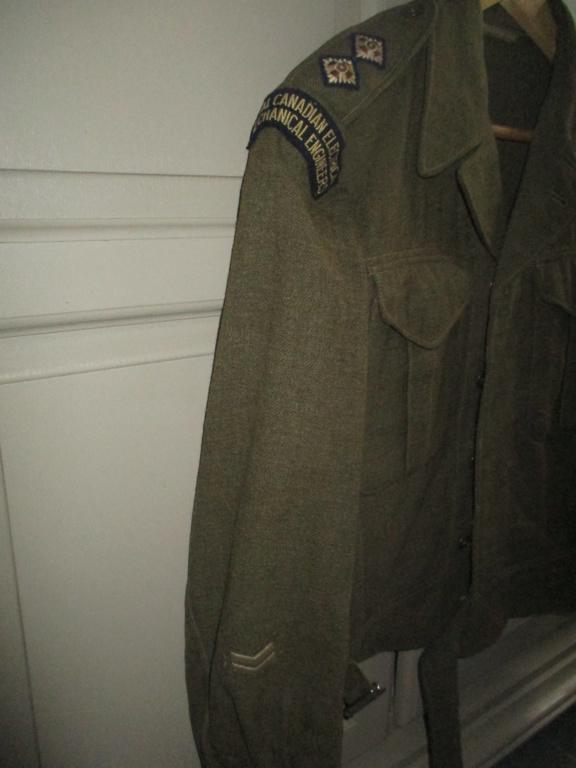 Les uniformes de ville et/ou de permission Img_1424