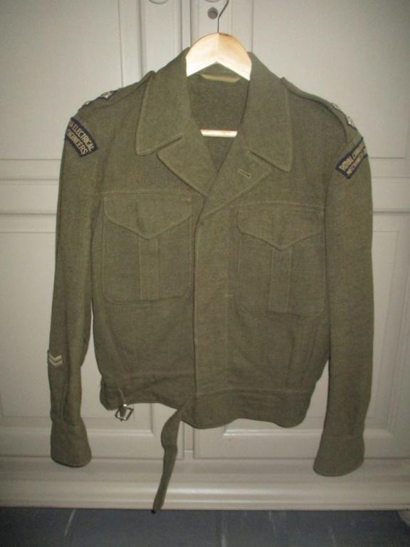 Les uniformes de ville et/ou de permission Img_1425