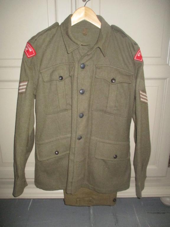 Les uniformes de ville et/ou de permission Img_1435