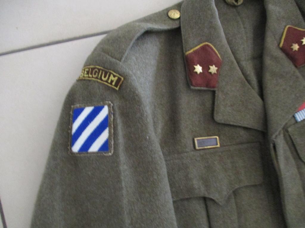 Les uniformes de ville et/ou de permission Img_1710
