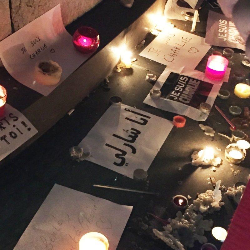 Charlie-Hebdo - 13 11 2015 - Bruxelles - Nice - Page 2 Charli12