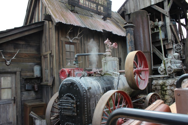 Curiosità e piccoli segreti al Disneyland park Img_7210