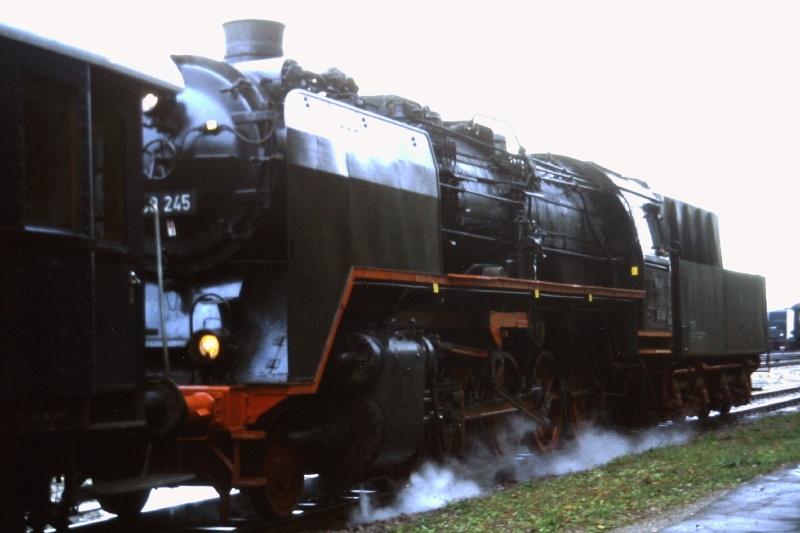 50 245 ehemalige EFZ-Lok 2015-145
