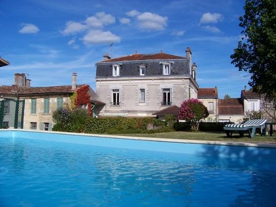 """Chambres d'hôtes en Dordogne """"Les Tuileries de Chanteloup"""" 24490 La Roche-Chalais (Dordogne) Large10"""