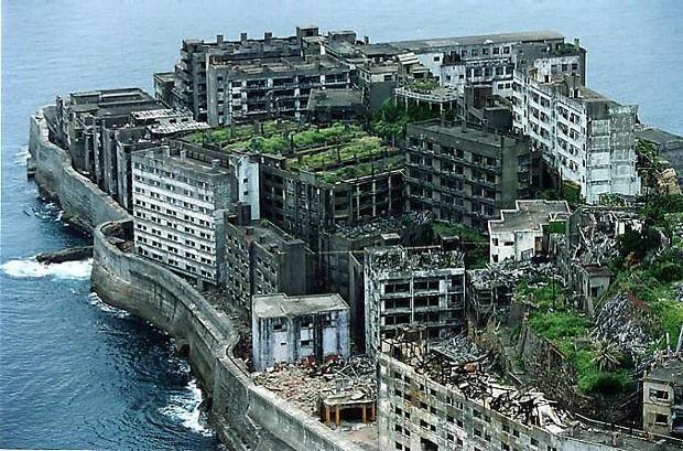 Hashima, l'île fantôme Street10