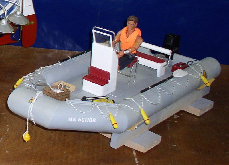 Petit bateau RC pour rechercher bateau en panne... P1010013