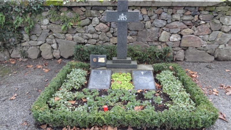 Mémorial et tombe à Haslach (Allemagne) Dsc00515