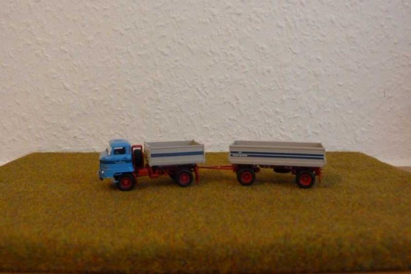"""LPG """"Roter Oktober"""" verschiedene Fahrzeuge im Design dieser LPG P1080210"""
