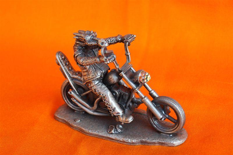 Jouets, jeux anciens et miniatures sur le monde Biker - Page 6 Img_0127