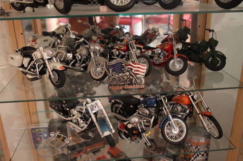 Jouets, jeux anciens et miniatures sur le monde Biker - Page 5 Img_0221