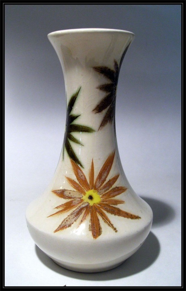 Radford pottery by H J Wood / Wood & Sons (Woods). Pb-rad11