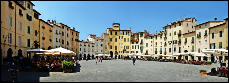 Place de l'Amphithéâtre, (Piazza dell'Anfiteatro), Lucques, Toscane - Italie 40217110