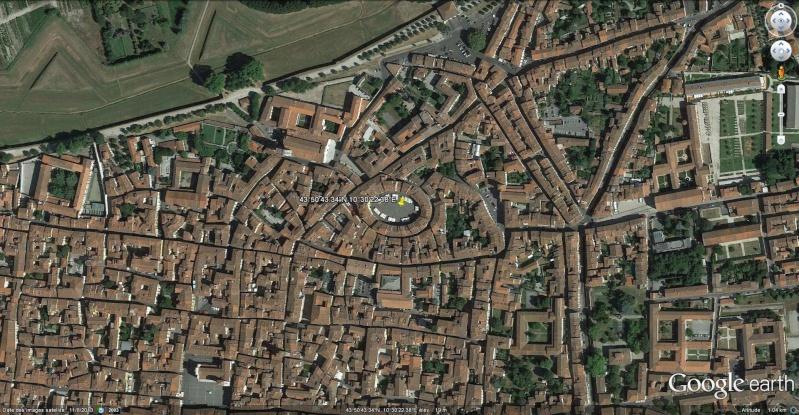 Place de l'Amphithéâtre, (Piazza dell'Anfiteatro), Lucques, Toscane - Italie Piazza10
