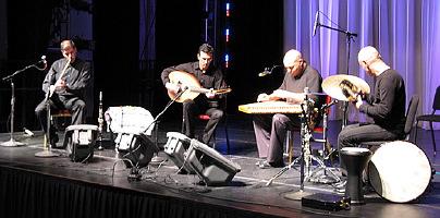 Musiques traditionnelles : Playlist - Page 10 Orient10