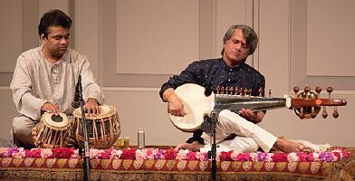 Musiques traditionnelles : Playlist - Page 10 Sridha10