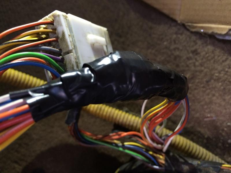 Problèmes électriques en tout genre - Et si vous commenciez par vérifier votre prise C102/C202 ?? Img_0213