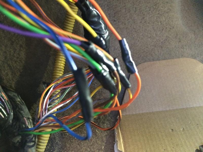 Problèmes électriques en tout genre - Et si vous commenciez par vérifier votre prise C102/C202 ?? Img_0214