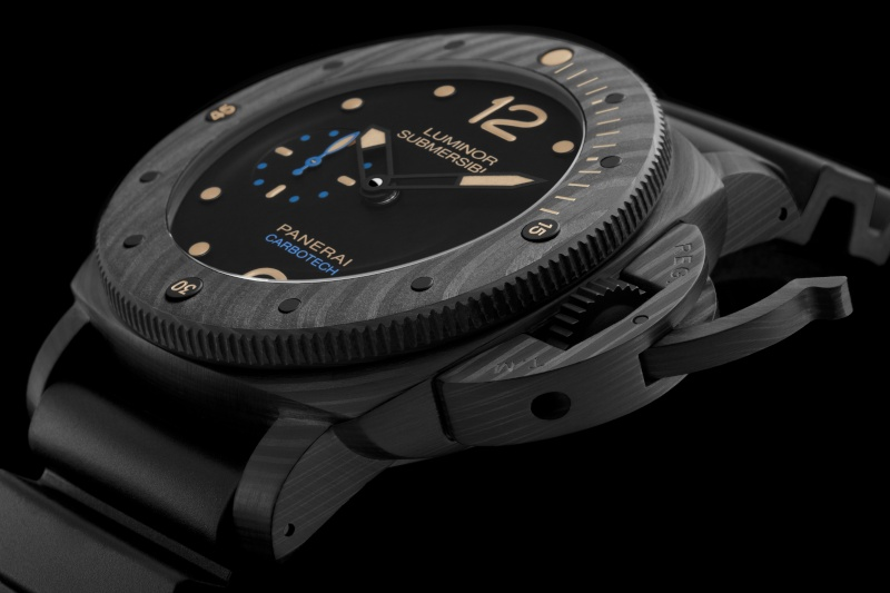 Communiqué de Presse : LUMINOR SUBMERSIBLE 1950 CARBOTECH ™ 3 DAYS AUTOMATIC - 47MM - PAM00616 Pam00644