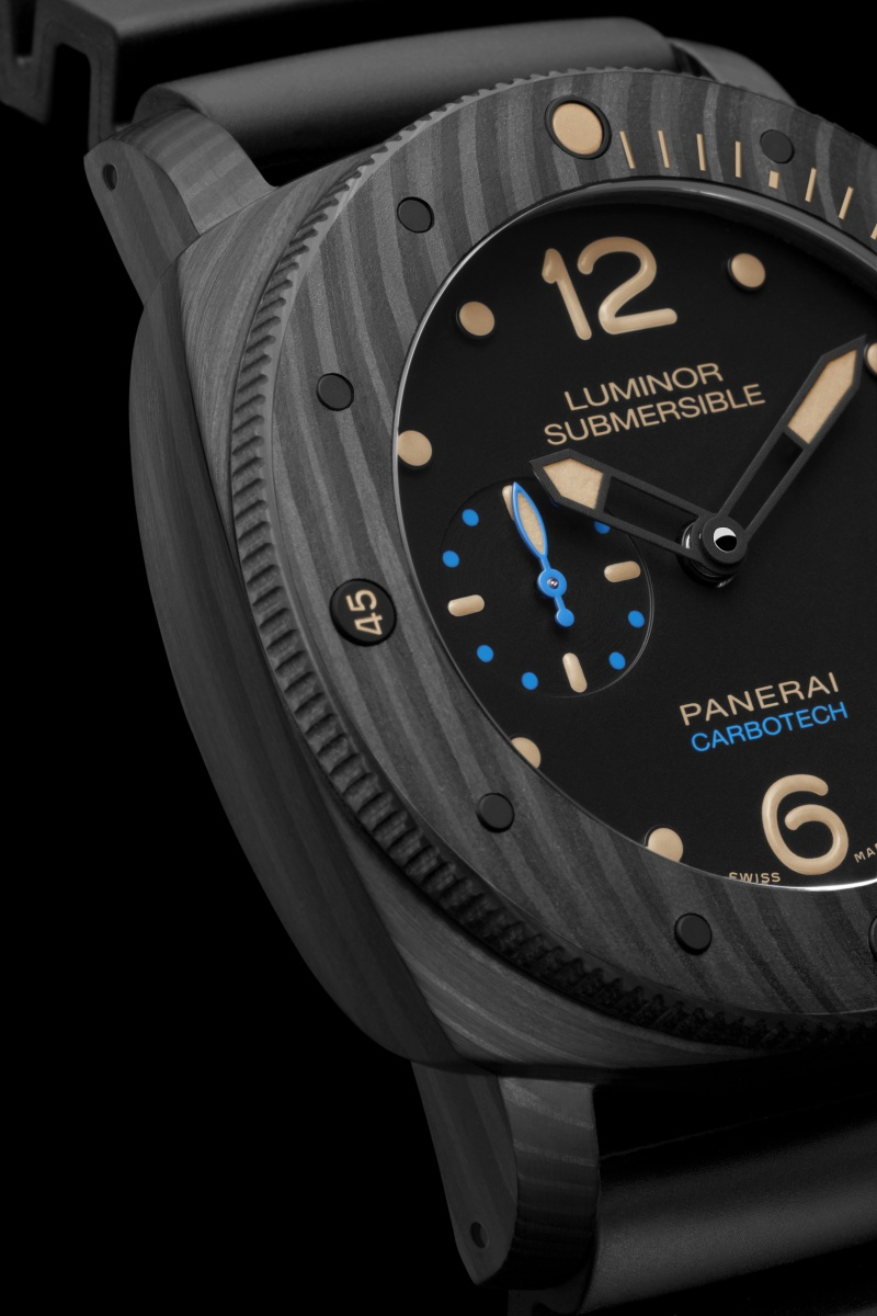 Communiqué de Presse : LUMINOR SUBMERSIBLE 1950 CARBOTECH ™ 3 DAYS AUTOMATIC - 47MM - PAM00616 Pam00645