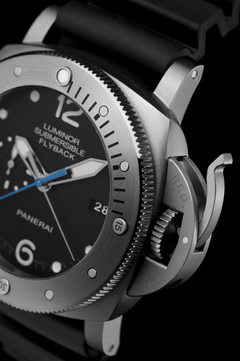 Communiqué de Presse : LUMINOR SUBMERSIBLE 1950 3 DAYS CHRONO FLYBACK AUTOMATIC TITANIO - 47MM - PAM00614 Pam00652