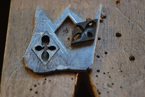 Boucles d'oreilles, boutons de manchettes, métal, bois à quatre mains Dsc_0011
