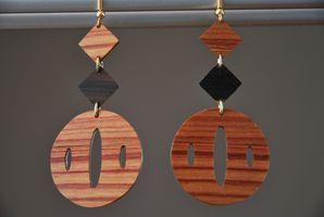 Boucles d'oreilles, boutons de manchettes, métal, bois à quatre mains Dsc_0022
