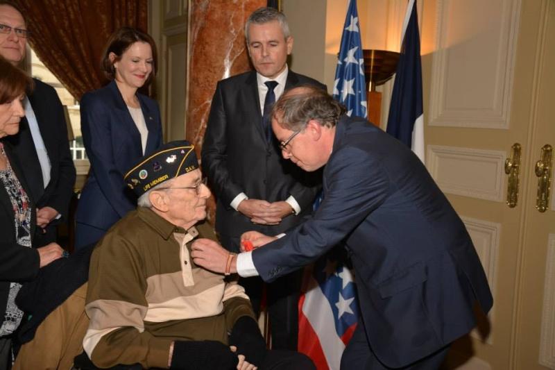 rmise de la légion d'honneur à Sergio A Moirano 10917110