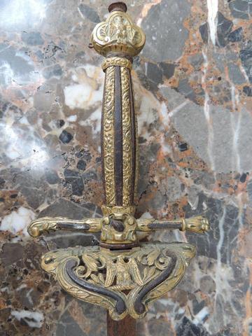 épée aigle à identifier Apae_a10