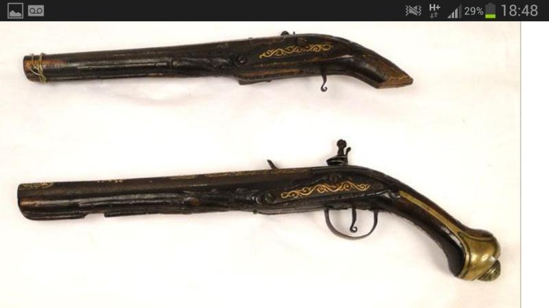 paire de pistolet ancient regime Screen17