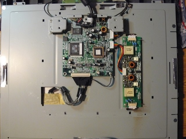 Réparation Ecran LCD d'ordinateur Damont10