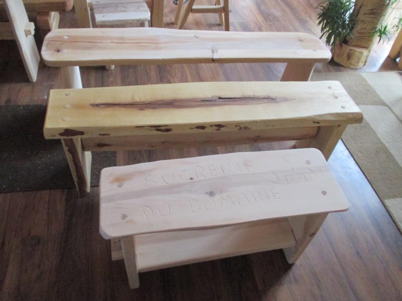 Mon atelier de meubles de  bois massif 00210