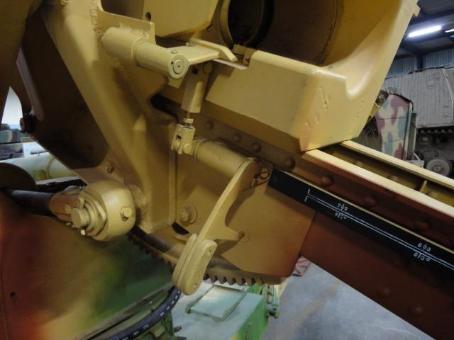 8.8 cm FLAK 37 AA gun Italeri 1/48 Divers40