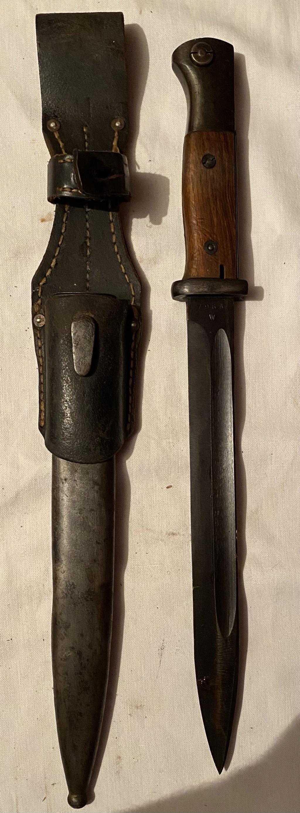 52 armes blanches ! Baïonnettes, dagues, toutes nationalités et époques ! Part 1 11_110