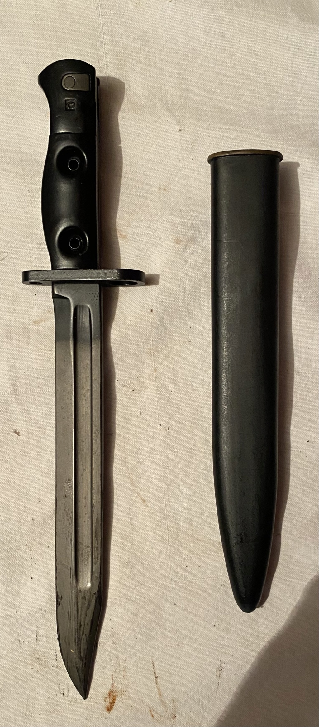52 armes blanches ! Baïonnettes, dagues, toutes nationalités et époques ! Part 1 17_210