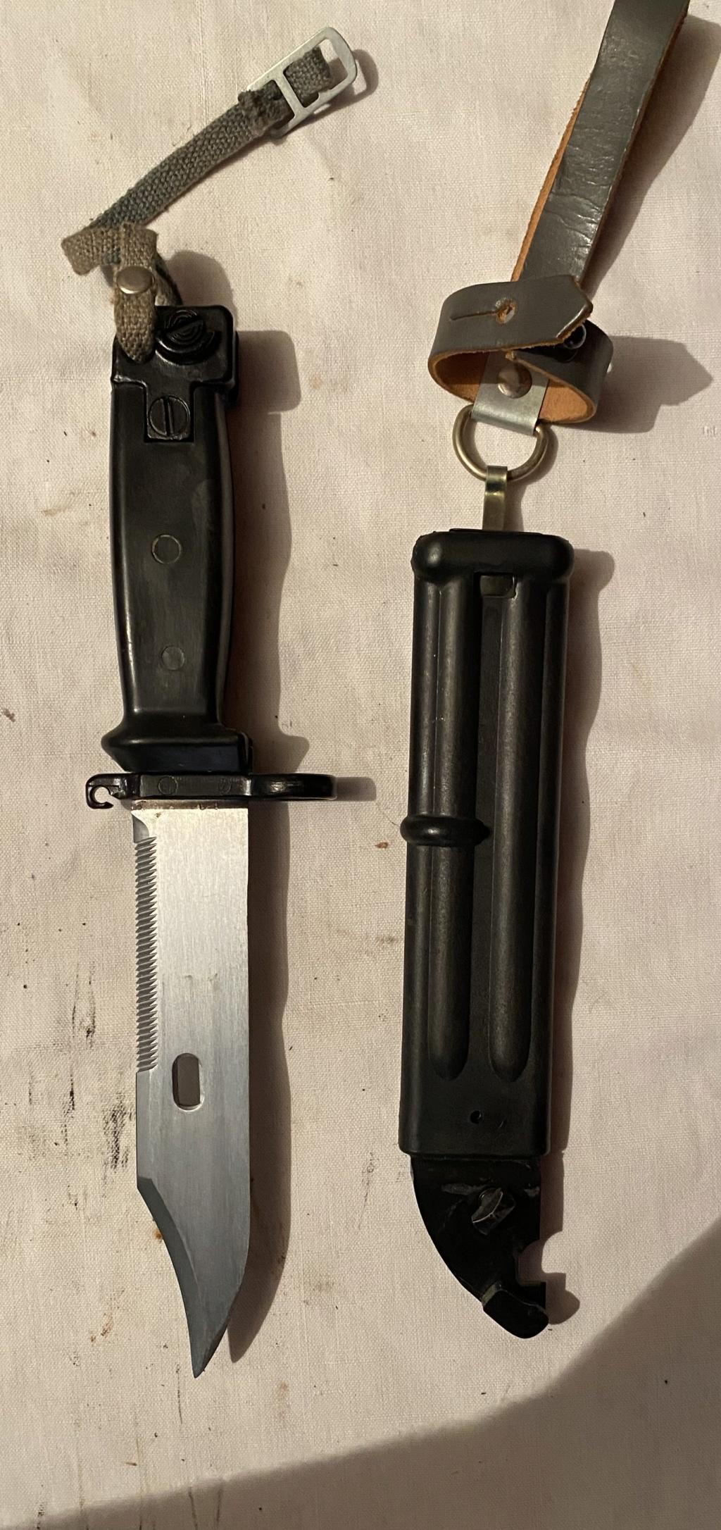 52 armes blanches ! Baïonnettes, dagues, toutes nationalités et époques ! Part 1 20_210