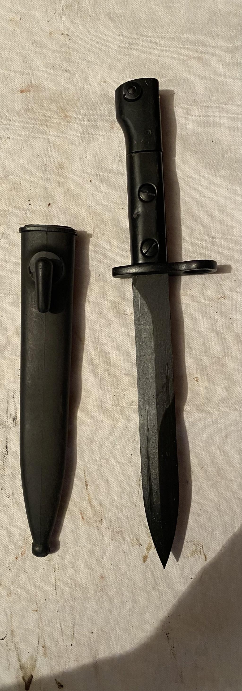 52 armes blanches ! Baïonnettes, dagues, toutes nationalités et époques ! Part 2 29_210