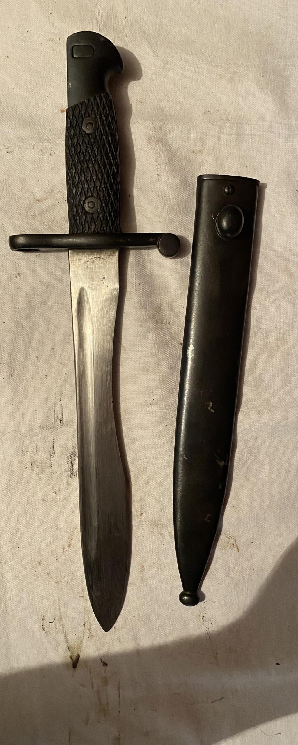 52 armes blanches ! Baïonnettes, dagues, toutes nationalités et époques ! Part 2 30_210