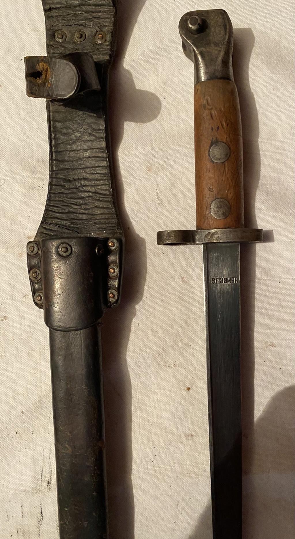 52 armes blanches ! Baïonnettes, dagues, toutes nationalités et époques ! Part 2 31_210