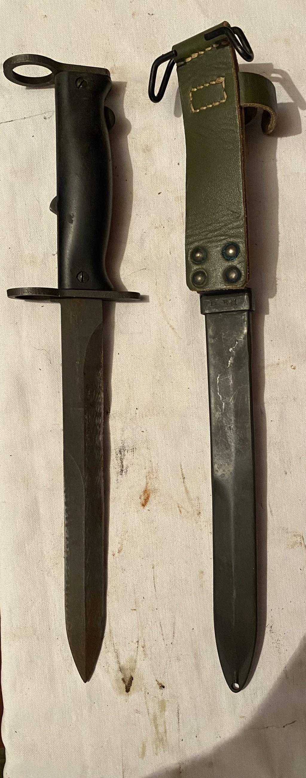 52 armes blanches ! Baïonnettes, dagues, toutes nationalités et époques ! Part 2 34_210